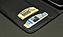 内側にはクレジットカードや紙幣を収納できるカードポケットを2つ装備