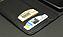 クレジットカードや紙幣を収納できるカードポケットを2つ装備。