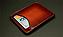 クレジットカードや名刺を収納できるポケットを装備。